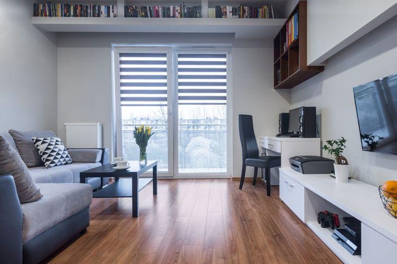 Attractive Hohe Decken Lassen Sich Optisch Leicht Verringern, Um Eine Gemütliche  Wohn Atmosphäre Zu Schaffen.