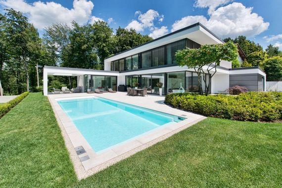 einen pool bauen 5 tipps f r den badespa ratgeberzentrale. Black Bedroom Furniture Sets. Home Design Ideas