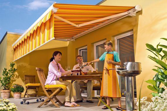 5 modelle f r den sonnenschutz auf terrasse und balkon. Black Bedroom Furniture Sets. Home Design Ideas