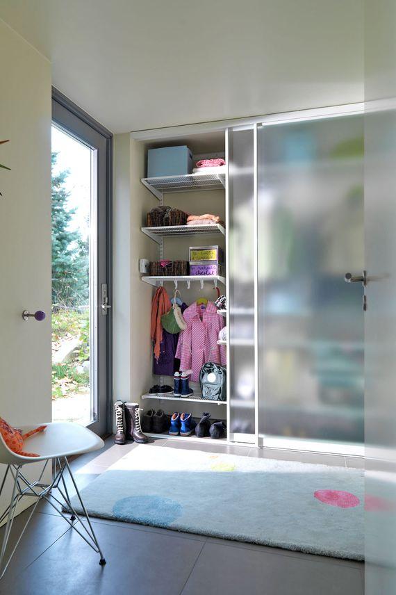 kleiderschrank versch nern 4 tipps f r neue schiebet ren. Black Bedroom Furniture Sets. Home Design Ideas