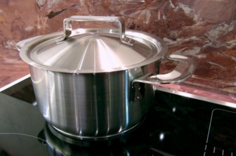 kochen mit induktion 3 tipps damit das steak gelingt ratgeberzentrale. Black Bedroom Furniture Sets. Home Design Ideas
