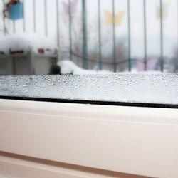 feuchte fenster verhindern fensterheizung hift gegen kondenswasser ratgeberzentrale. Black Bedroom Furniture Sets. Home Design Ideas