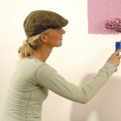 sch nheitsreparaturen f r w nde und decken mit tapeten und farben ratgeberzentrale. Black Bedroom Furniture Sets. Home Design Ideas