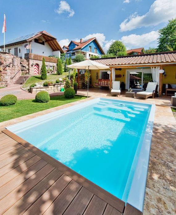 Schwimmbad im garten m belideen for Garten pool im winter