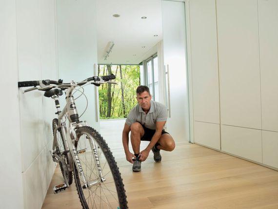 parkett versiegeln so wird der boden wieder wie neu. Black Bedroom Furniture Sets. Home Design Ideas