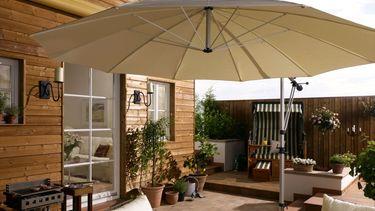 terrasse gestalten mit einer markise die besten 5 tipps ratgeberzentrale. Black Bedroom Furniture Sets. Home Design Ideas