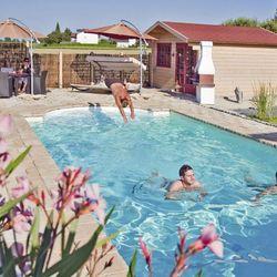 pool bauen in 3 schritte zum nachhaltigen ko pool ratgeberzentrale. Black Bedroom Furniture Sets. Home Design Ideas